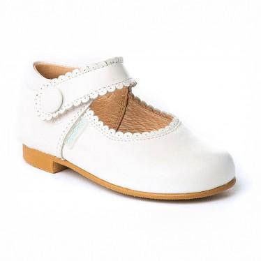 Merceditas Niña Piel Nacarada Velcro 1502 Blanco, de Angelitos