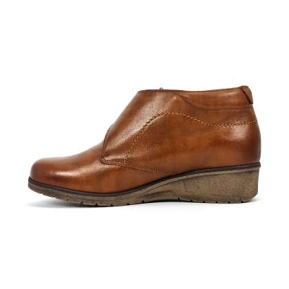 Woman Leather Low Wedged Comfort Booties Velcro Removable Insole 70244 Leather, by TuPié