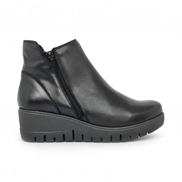 Women's Comfort Leather Wedged Booties Zipper 70827 Black, by TuPié