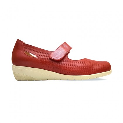 Woman Leather Wedged Mary Janes 71TP Red, by TuPie