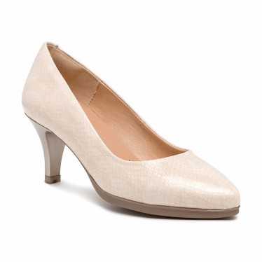 Woman Patent Leather Medium Heeled High Comfort Pumps MARA Beige, by Desireé