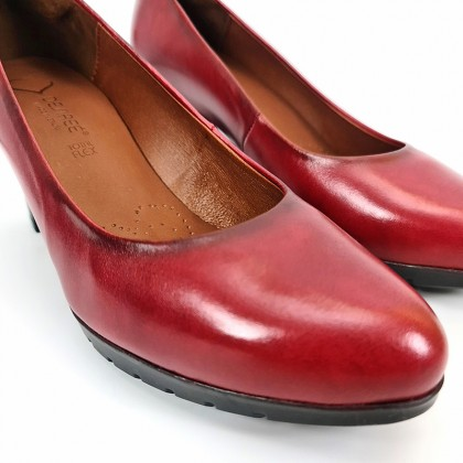 Woman Leather Comfort Pumps Medium Heeled 2220I Burgundy, by Desireé