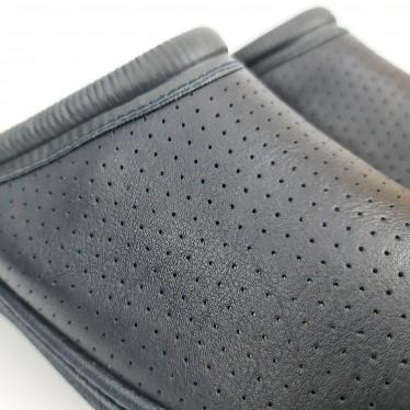 Zuecos Sanitarios Hombre Piel Perforada Destalonados 298 Marino, de Percla