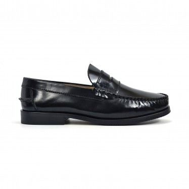 Man Florentic Leather Penny Loafers Non-slip Leather and Rubber Sole 7000 Black, by Urban Jungles
