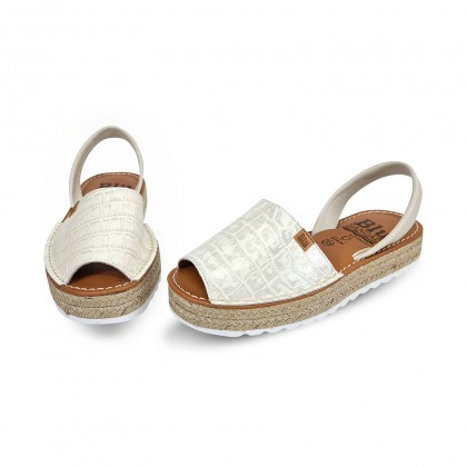 Woman Engraved Leather Menorcan Sandals Crocodile Effect Platform 9300 Beige, by C. Ortuño