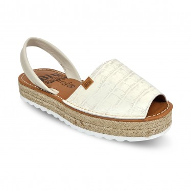Woman Engraved Leather Menorcan Sandals Crocodile Effect Platform 9300 Beige, by C. Ortuño