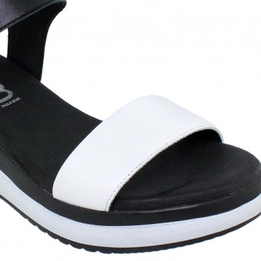 Woman Low Wedged Leather Sandals Velcro Padded Insole 7086 White, by TuPié