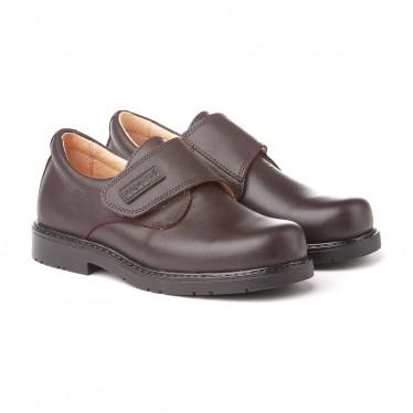 Zapatos Colegiales Niño Piel Velcro 435 Chocolate, de Angelitos